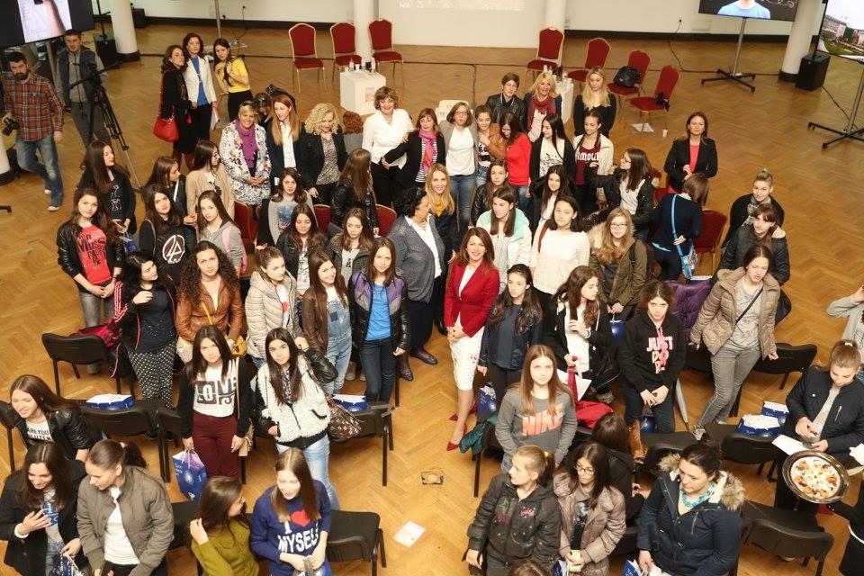 """ALT: """"Centar za mame podržao Međunarodni dan devojaka u IKT tehnologijama"""""""