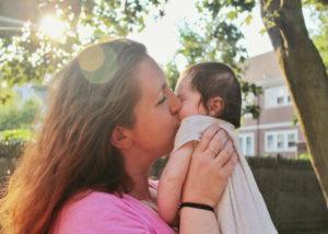 Savetnik za mame Afektivne veze Kako se deca vezuju za nas
