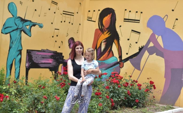 mama-studentkinja s ćerkom