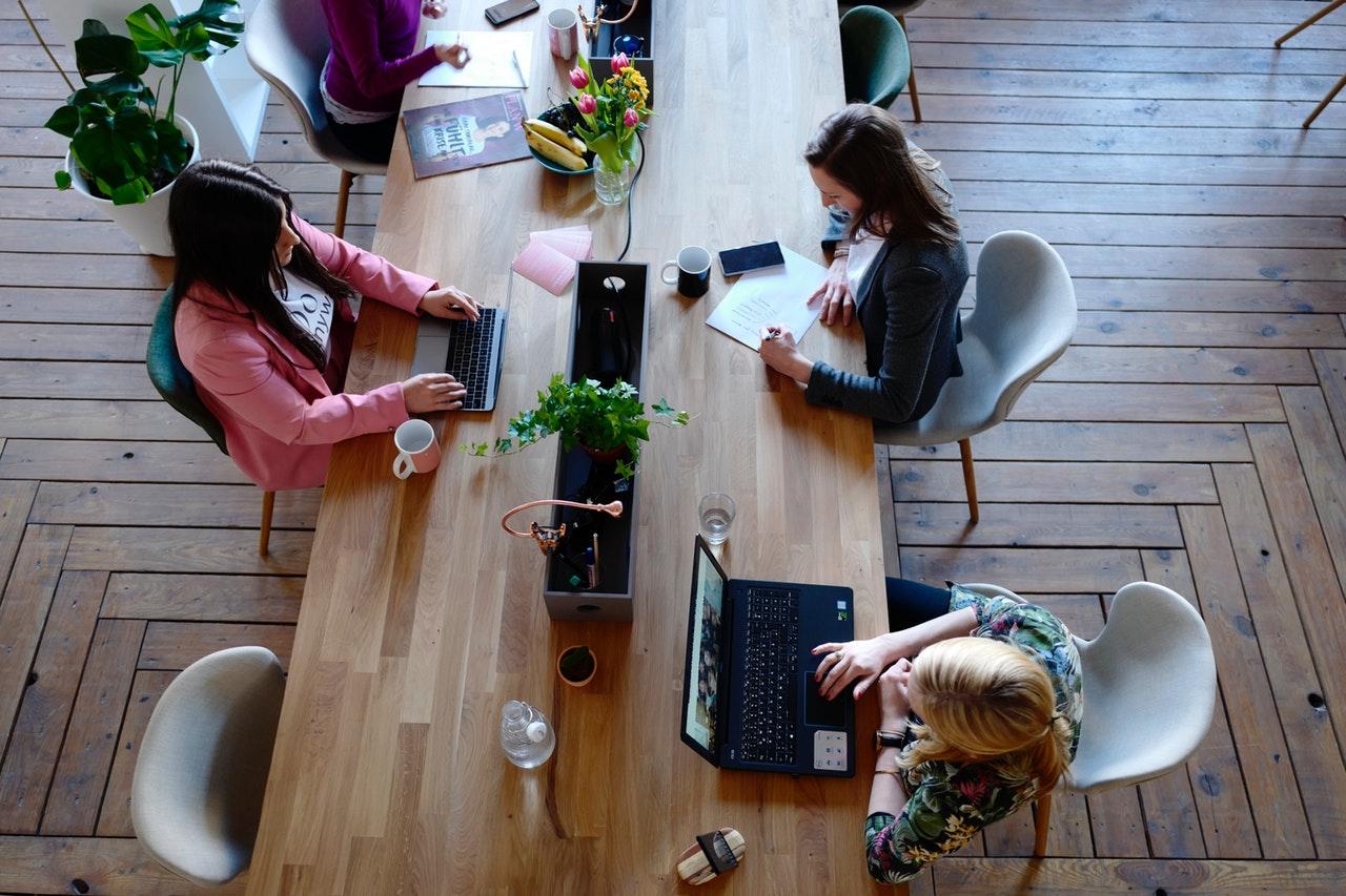 5 načina da stvorite radno okruženje prilagođeno i ženama